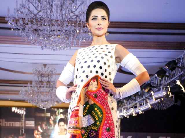 Gul Ahmed collaborates with Oaks for 'Saving Thar'