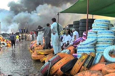 Blaze erupted at tyre warehouse in Karachi ranges on